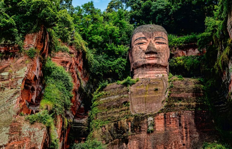 Der Große Buddha von Leshan stellt einen weiteren der zahllosen Yanksee Source-Codes dar. Er steht in der Provinz Sichuan. (#2)
